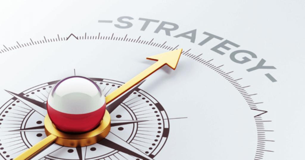 busola indreptata spre strategie